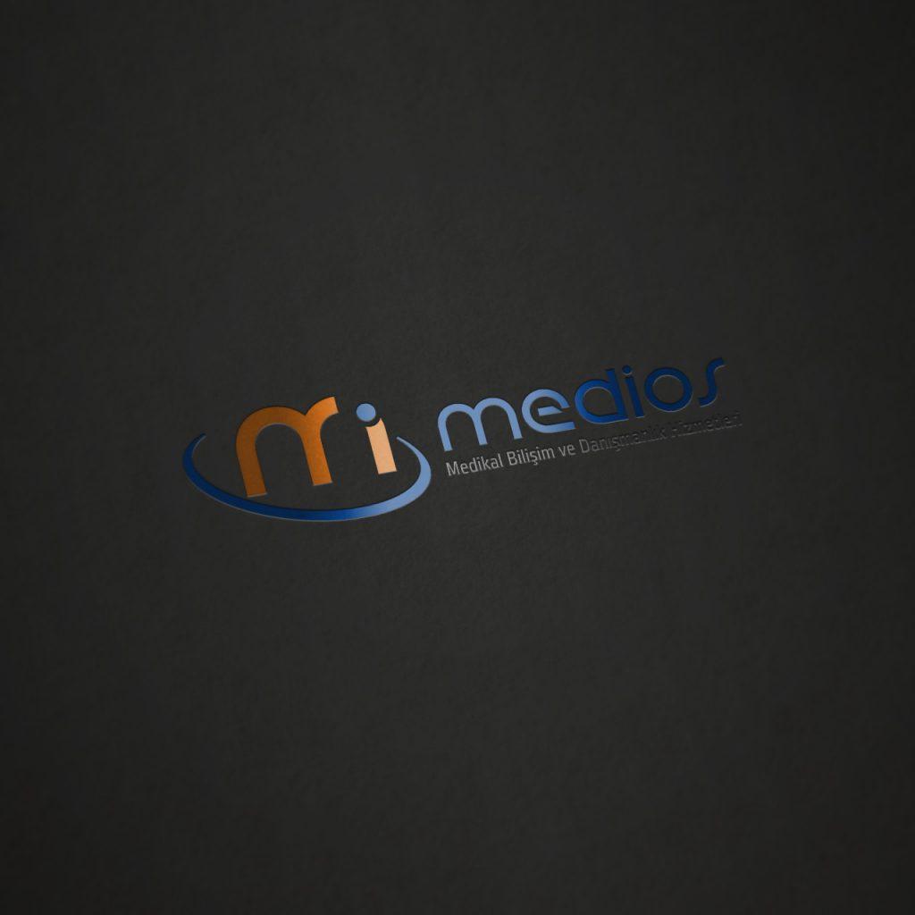 Medios Logo